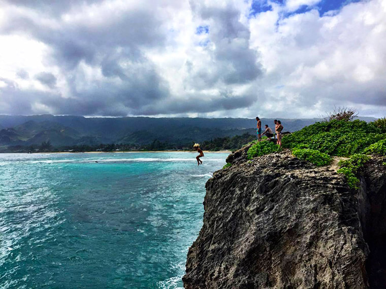 best cliff diving on Oahu at lake point